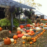 Photo taken at Hutchinson Farm by Le T. on 10/7/2012