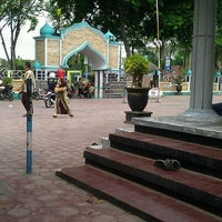 Photo taken at Masjid Agung Darussalam Bojonegoro by Sutantyo W. on 8/10/2013