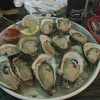 Photo taken at Bunky's Raw Bar & Seafood Grille by Osvaldo V. on 5/24/2015