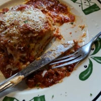 Photo taken at Olive Garden by Terry T. on 5/11/2014