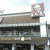 Photo taken at KFC / KFC Coffee by Mahdesi I. on 6/4/2016