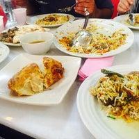 Photo taken at Restoran Qasar Hadramawt by Nieysa W. on 5/29/2016