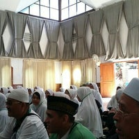 Photo taken at Masjid Daarut Tauhiid by HENRYE I. on 2/8/2016
