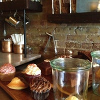 Photo taken at Oro Bakery and Bar by Lina on 8/10/2013