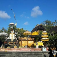 Photo taken at Pura Luhur Candi Narmada Tanah Kilap by Goes A. on 9/8/2015
