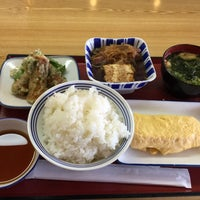 Photo taken at 厚木恩名食堂 by うし on 6/24/2015