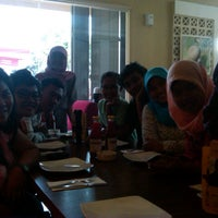 Photo taken at Pizza Hut by Susmoyo A. on 9/24/2012