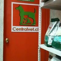 Photo taken at Veterinaria Centralvet by Maryposa on 4/5/2013