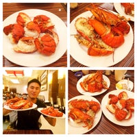 Photo taken at Choices Buffet at Pala Casino Spa & Resort by Roger M. on 5/22/2015