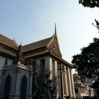 Photo taken at Wat Bowon Niwet by Jan^^ C. on 1/20/2013