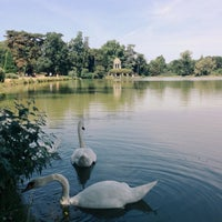 Photo taken at Lac Daumesnil by Callicles S. on 7/27/2013