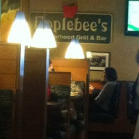 Photo taken at Applebee´s by Teo E. on 11/15/2012