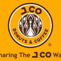 Photo taken at J.CO Donuts & Coffee by Deepdip S. on 9/30/2012
