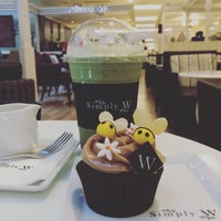 Photo taken at Simply W by Kitty_oh on 6/24/2016