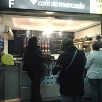 Photo taken at Café do Mercado by Fabiano T. on 5/24/2013