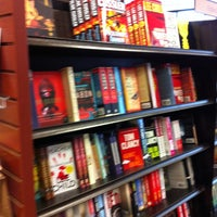 Photo taken at Barnes & Noble by Lulú D. on 2/25/2013
