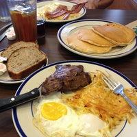Photo taken at Bob Evans Restaurant by Craig W. on 8/14/2013