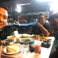 Photo taken at Nasi Bukit Padang Jawa by Shafiq I. on 7/18/2016