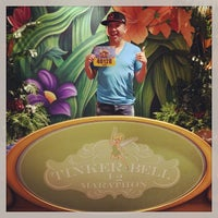 Photo taken at Tinkerbell 1/2 Marathon Health And Fitness Expo by Trent V. on 5/8/2015