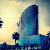 Das Foto wurde bei W Barcelona von Sofia T. am 7/27/2013 aufgenommen