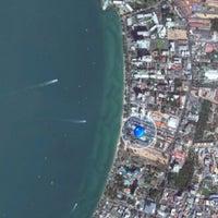 Photo taken at Pattaya Discovery Beach Hotel (D-Beach) by Максим Б. on 11/19/2012