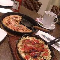 Photo taken at Pizza Hut by sylvandari j. on 1/11/2013