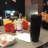 Photo taken at McDonald's / McCafé by Yana N. on 8/23/2016