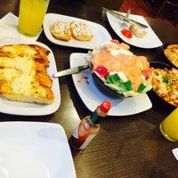 Photo taken at Pizza Hut by Rallytha L. on 8/3/2015