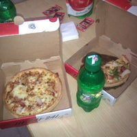 Photo taken at Pizza Hut by Afzaal A. on 5/22/2013