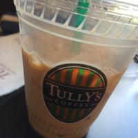 Photo taken at TULLY'S COFFEE トレアージュ白旗店 by Yuki T. on 4/23/2016