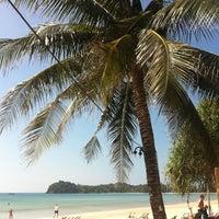 Photo taken at DR Lanta Bay Resort Koh Lanta by Sabrina E. on 12/22/2013