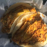Photo taken at El Primo Taco Truck by Keisha H. on 9/22/2015