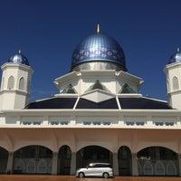 Photo taken at Masjid Abdullah Fahim by Abd Rahman on 1/27/2013
