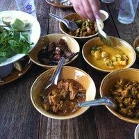 Photo taken at ร้านอาหารนายหัว by Thapparit W. on 5/21/2013
