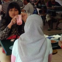 Photo taken at Medan Selera Selandar by Izat I. on 11/3/2013