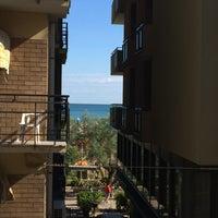 Foto scattata a Hotel Thea da Olga K. il 8/17/2015