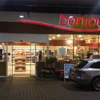 Photo taken at TOTAL Tankstelle by Be r. on 11/13/2014