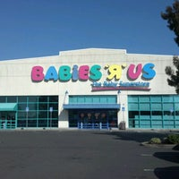 Photo taken at Babies R Us by LoLo on 10/10/2012