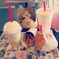 Photo taken at Burger King by Jacquelyn C. on 9/20/2015