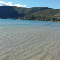 Photo taken at Spiaggia di Lacona by Isola d. on 9/24/2015
