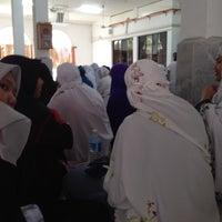 Photo taken at Masjid Alang Iskandar KDSK by Einip . on 10/3/2015