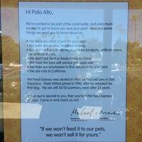 Photo taken at Pet Food Express by Gordon G. on 7/10/2016