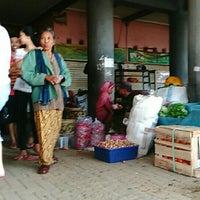 Photo taken at Pasar Tawangmangu by antonius t. on 7/6/2016