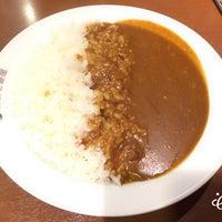 Photo taken at CoCo壱番屋 渋谷区宇田川町店 by Shun S. on 9/8/2016