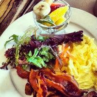 Photo taken at Le Grainne Cafe by Maria de Jesus C. on 5/12/2013
