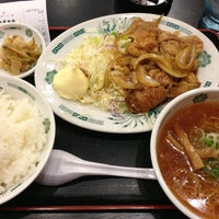 Photo taken at 日高屋 新宿3丁目店 by Pine on 1/24/2013