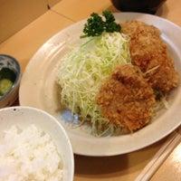 Photo taken at Tonkatsu Enraku by Minoru T. on 12/25/2012