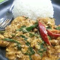 Photo taken at ร้านอาหารตามส่ัง พ่ีแหม่ม พ่ีดิศ by Sev S. on 3/21/2013