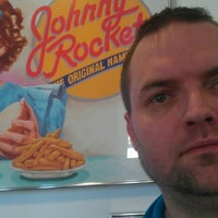 Photo taken at Johnny Rockets by Petter N. on 12/27/2012