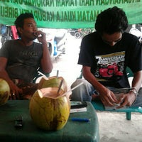 Photo taken at Alun-Alun Kota Juang by Hendra Asbir B. on 10/14/2012